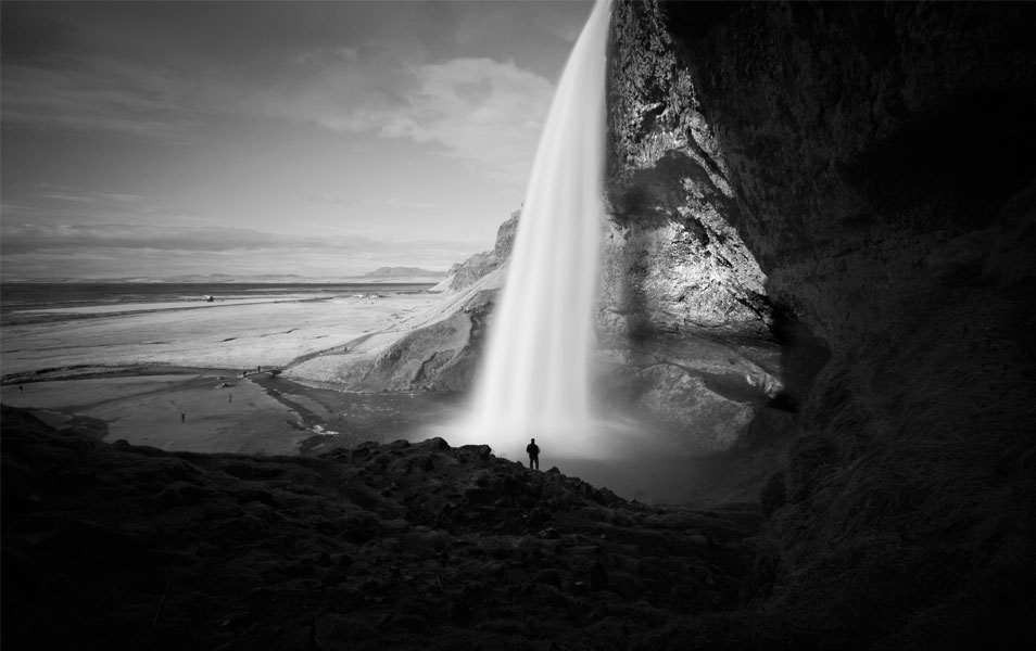 Seljalandsfoss waterfall bw