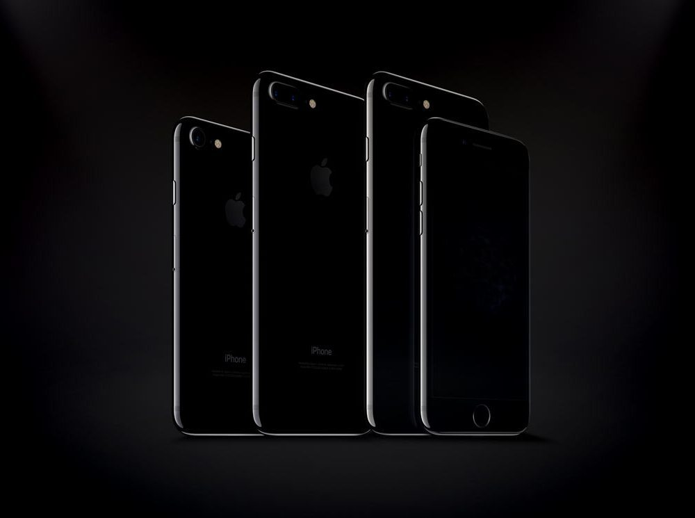 iPhone 7 and iPhone 7 Plus Jet Black Mockups